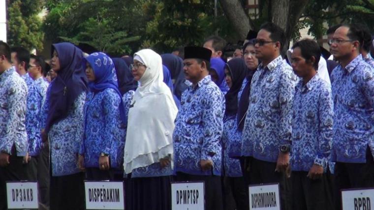ASN Kota Serang saat Upacara kesadaran Nasional di halaman Pemkot Serang. (Foto: TitikNOL)