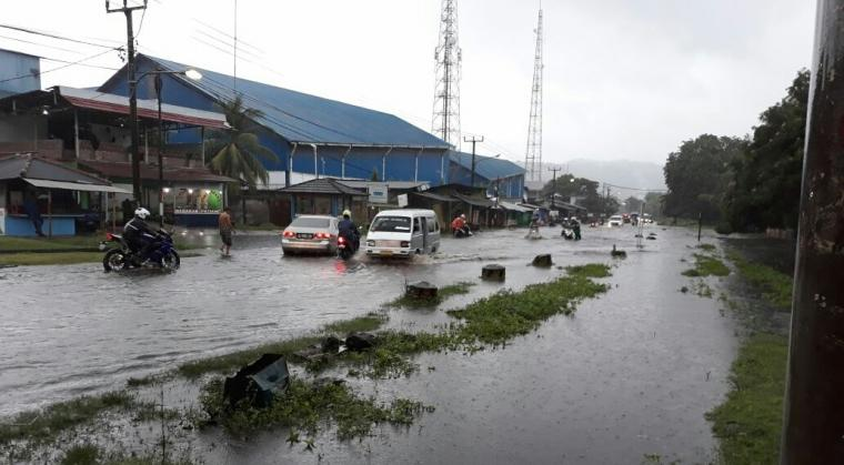 Akibat hujan deras, sejumlah wilayah di Banten terendam banjir. (Foto: TitikNOL)