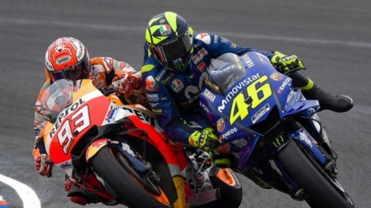 Senggolan Marc Marquez dengan Valentino Rossi di MotoGP Argentina. (Dok: Tribunnews)