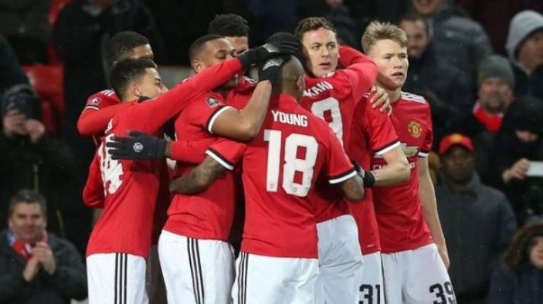 Selebrasi sejumlah pemain Manchester United usai mencetak gol. (Dok: Hetanews)