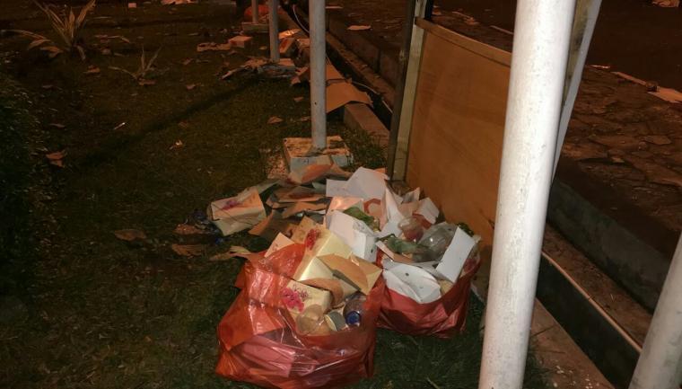 Tumpukan sampah di salah satu sudut di musium Banten. (Foto: TitikNOL)