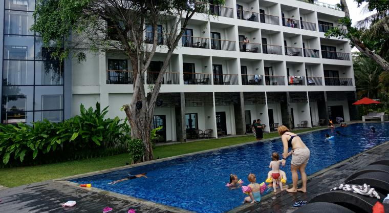 Suasana Aston Anyer Beach Hotel di Kecamatan Cinangka, Kabupaten Serang. (Foto: TitikNOL)