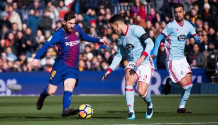 Lionel Messi saat melewati beberapa pemain Celta Vigo. (Dok: Prediksibola)