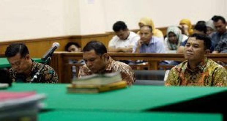 Tb Iman Ariyadi saat berada di ruang sidang. (Dok: kabar-banten)