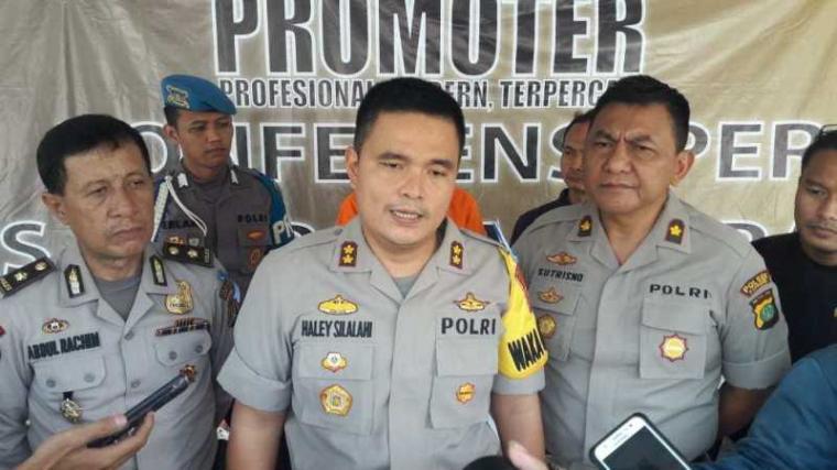 Pengunkapan kasus pembunuhan nenek Amsah warga Kelurahan Kenanga, Kecamatan Cipondoh, Kota Tangerang. (Foto TitikNOL