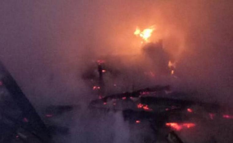 Akibat korsleting listrik rumah milik Hadi (45) warga Kampung Sukamaju, Desa Talagahiang, Kecamatan Cipanas, Lebak - Banten ludes terbakar. (Foto; Ist)