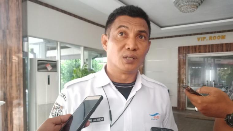 General Manager PT ASDP Indonesia Ferry Cabang Merak ,Fahmi Alweni saat memberikan keterangan kepada wartawan. (Foto: TitikNOL)