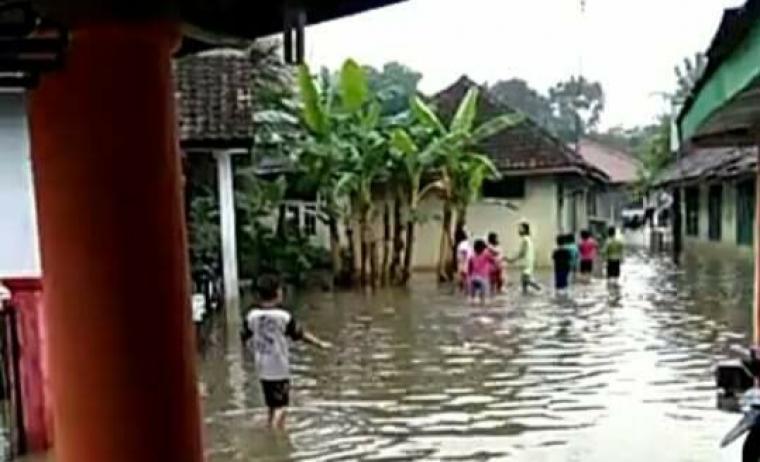 Pemukiman warga kaduagung yang terkena banjir. (Foto: Ist)