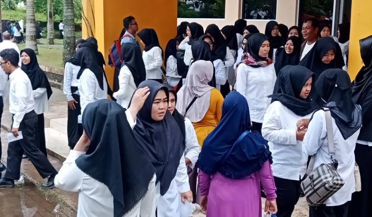Peserta CPNS Cilegon usai mengikuti SKD di Pandeglang berapa waktu yang lalu. (Foto: TitikNOL)