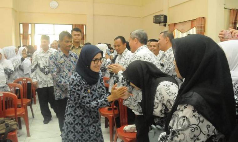 Bupati Lebak Iti Octavia Jayabaya di acara Workshop Pembelajaran Metode Gasing di Gedung PGRI, Rangkasbitung, Kamis (22/11/2018). (Foto: TitikNOL)