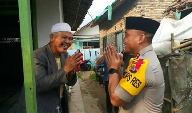 Kapolresta Tangerang Kombes Pol Sabillul Alif saat melakukan silaturahmi kepada tokoh ulama di Kabupaten Tangerang. (Foto: TitikNOL)