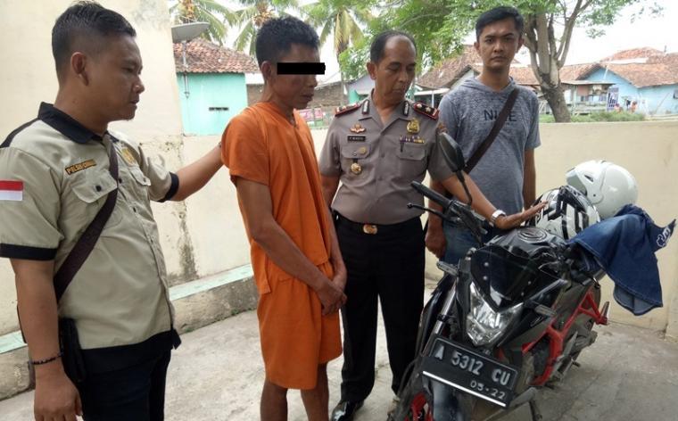 Pelaku pencurian sepeda motor milik Honda CBR A 5312 CU milik Novanri Kurnia Pratama (23). (Foto: TitikNOL)