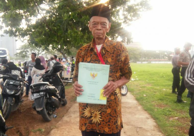 Jarwo (78), warga Kunciran, Pinang, Kota Tangerang. (Foto: TitikNOL)
