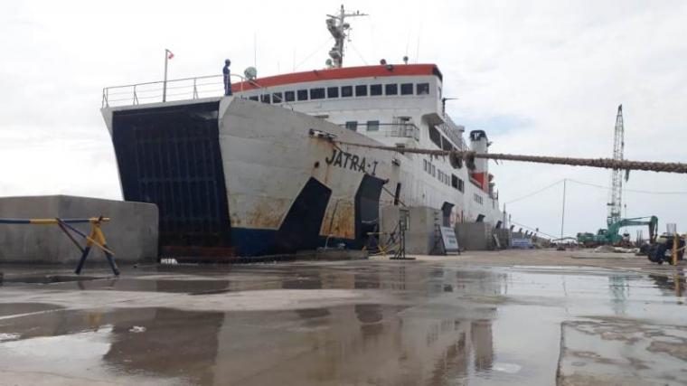 Cuaca Buruk Sempat Mengganggu Uji Sandar Kapal di Dermaga VII Pelabuhan Merak. (Foto: TitikNOL)