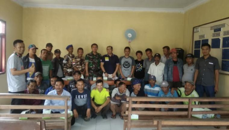 Suasana pembentukan forum kemitraan antara polisi dengan masyarakat berlangsung di Mapolsek Cipanas - Lebak - Banten. (Foto: TitikNOL)