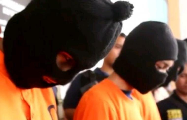 Pelaku pengeroyokan yang mengakibatkan Anwar (19) tewas, usai nonton konser musik di Lapangan Sunburst. (Foto: TitikNOL)