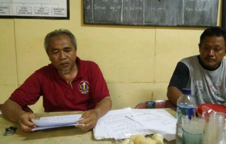 Sekretaris SPTSK KSPSI PT Sandratex, Wahid Ashari saat memberikan keterangan terkait tuntutan buruh. (Foto: TitikNOL)