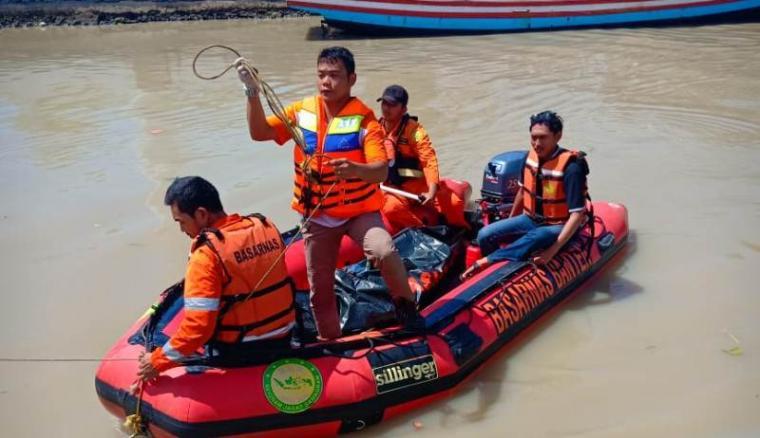 Sabihis (36), nelayan warga Kampung Tanggul Indah RT 02/02 Kelurahan Banten, Kecamatan Kasemen, Kota Serang, ditemukan tewas di perairan Pulau Burung. (Foto: TitikNOL)
