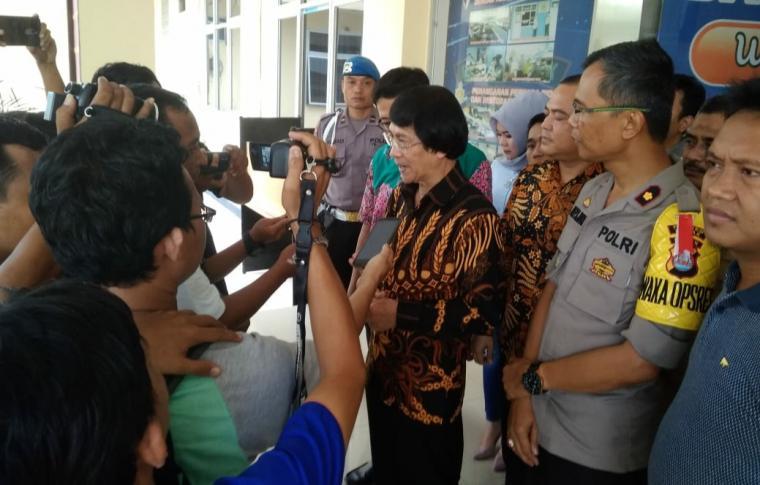 Ketua Umum Lembaga Perlindungan Anak Indonesia (LPAI), Seto Mulyadi saat mendatangi Mapolres Lebak, Selasa (8/1/2019)