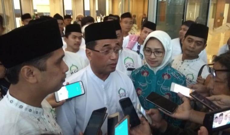 Budi Karya Sumadi saat dimintai keterangan awak media. (Foto: TitikNOL)