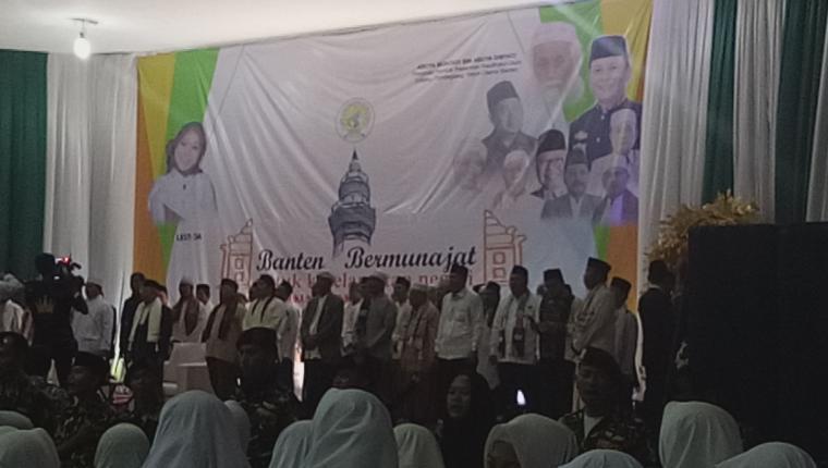 Suasana acara Banten bermunajat yang digelar di Gor Maulana Yusuf, Ciceri, Kota Serang, Minggu (17/2/2019). (Foto: TitikNOL)