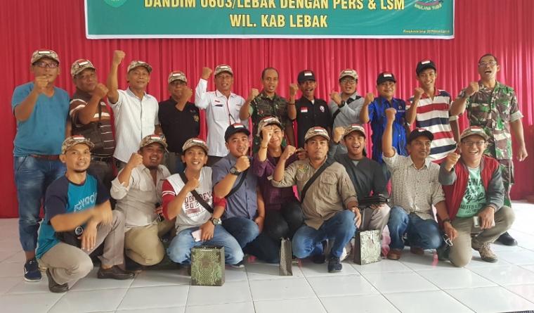 Suasana acara silaturahmi dengan wartawan di Aula Makodim Lebak, Rabu (20/2/2019). (Foto: TitikNOL)