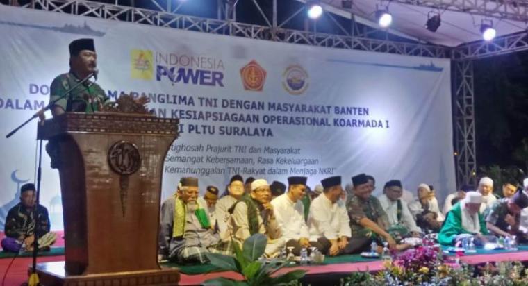 Panglima TNI Marsekal Hadi Tjahyanto memberikan sambutan dalam acara Istighosah dalam rangka latihan kesiapsiagaan operasional Koarmada I di PLTU Suralaya. (Foto: TitikNOL)