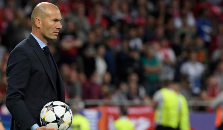 Mourinho yakin Zinedine Zidane Pelatih yang Tepat untuk Real Madrid