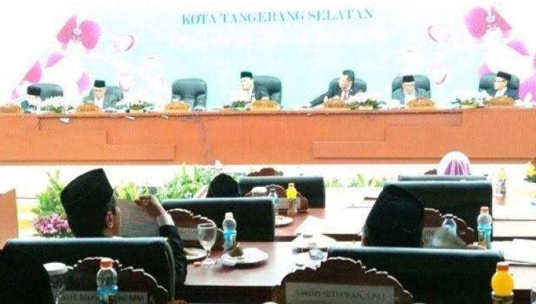 Suasana rapat paripurna DPRD Kota Tangerang Selatan. (Dok: Humas DPRD Tangerang Selatan)