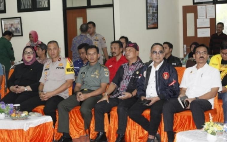 Deklarasi kampanye damai pemilu serentak tahun 2019 di Aula KPU Provinsi Banten.