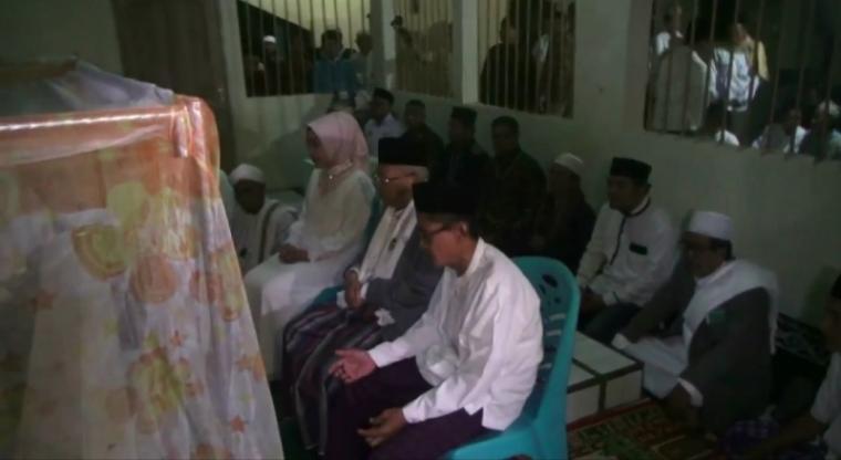Calon Wakil Presiden (Cawapres), KH Ma'ruf Amin menyempatkan diri untuk ziarah makam pahlawan nasional Sultan Ageng Tirtayasa. (Foto: TitikNOL)