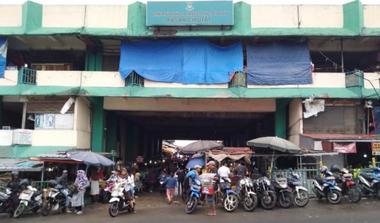 Pasar Ciputat Tangerang Selatan. (Foto: TitikNOL)