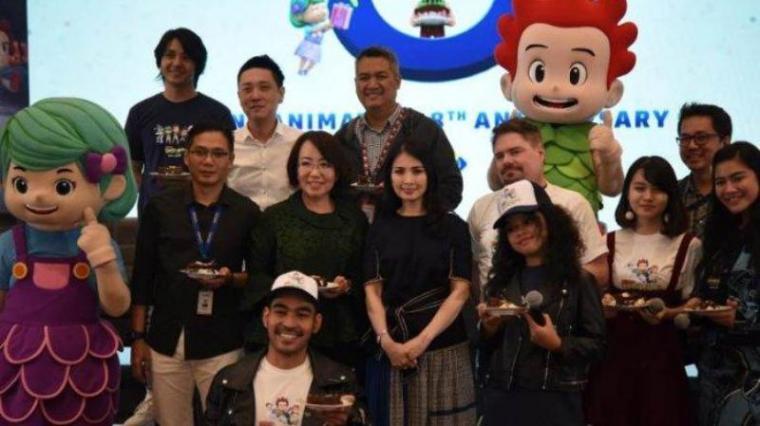 CEO MNC Animation Liliana Tanaja Tanoesoedibjo bersama para pengisi suara film animasi 'Kiko in The Deep Sea' disela syukuran ulang-tahun ke-8 MNC Animation di MNC Tower, Jalan Raya Perjuangan, Kebon Jeruk, Jakarta Barat, Selasa (28/5/2019). (Foto: TitikNOL)