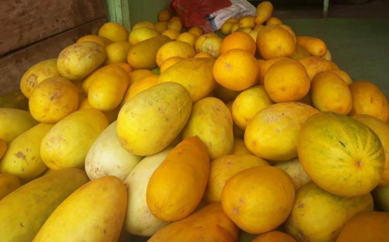 Timun suri di Pasar Induk Rau (PIR), Kota Serang. (Foto: TitikNOL)