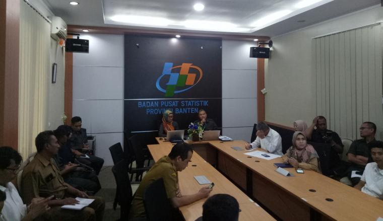 BPS Banten saat merilis keadaan ketenagakerjaan Banten Februari 2019 dan pertumbuhan ekonomi Banten triwulan I-2019. (Foto: TitikNOL)
