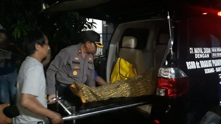 Budi Tahir (55) warga Komplek Bumi Indah Permai (BIP), Kelurahan Unyur, Kecamatan Serang, Kota Serang. (Foto: TitikNOL)