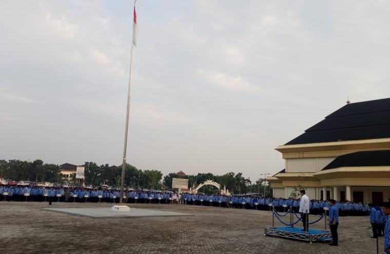 Suasana ASN Pemprov Banten saat gelar upacara Hari Kesaktian Pancasila di lapangan KP3B, Curug, Kota Serang. (Foto: TitikNOL)