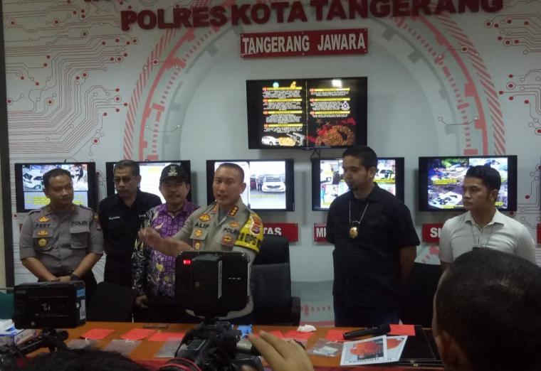 Press Realease pengungkapan kasus perampokan toko emas. (Foto: TitikNOL)