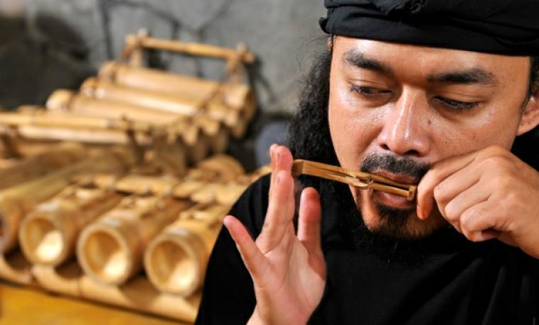 Karinding, alat musik Instrumen Tradisional. (Dok: Kompasiana)