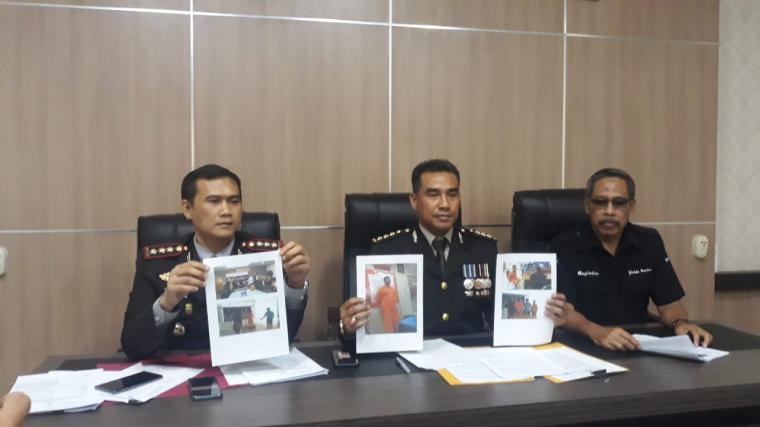 Konferensi pers pengungkapan perampokan Toko Emas Permata pada tanggal 15 Juni 2019 di Desa Talagasari, Kecamatan Balaraja, Kabupaten Tangerang, di Polda Banten, Rabu (10/7/2019). (Foto: TitikNOL)