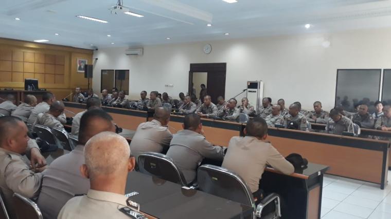 Sejumlah anggota Kepolisian Daerah (Polda) Banten. (Foto: TitikNOL)