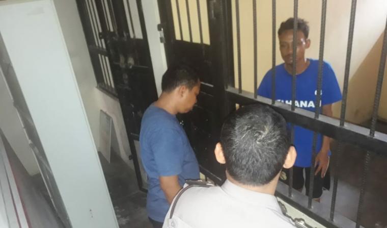Andri (26) warga Desa Sidamukti, Kecamatan Baros, Kabupaten Serang, pelaku pencurian sepeda motor Yamaha Mio J A 6942 CB milik Milasari (33) warga Link Kamanisan, Kelurahan Sukawana, Kecamatan Curug, Kota Serang . (Foto: TitikNOL)