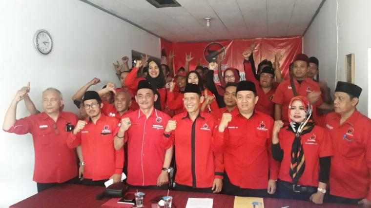 Sejumlah pengurus DPC PDIP Kabupaten Serang. (Foto: TitikNOL)
