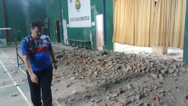 Salah satu bangunan di Kabupaten Lebak mengalami kerusakan akibat gempabumi yang melanda wilayah itu. (Foto: Ist)