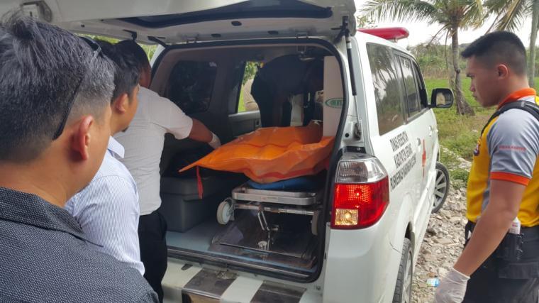 Korban pembunuhan di Kampung Gegeneng, Desa Sukadalem, Kecamatan Waringin Kurung, Kabupaten Serang. (Foto: TitikNOL)