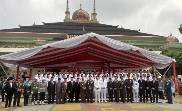 Unsur Muspida di Provinsi Banten berfoto bersama usai melaksanakan upacara peringatan HUT ke 74 RI. (Foto:Ist)