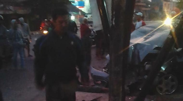 Lokasi kejadian kecelakaan di Jalan KH. Abdul Fatah Hasan tepatnya di Linkungan Cijawa Masjid Kelurahan, Cipare, Kota Serang. (Foto: TitikNOL)