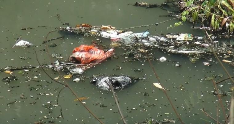 Temuan sampah di salah satu titik di Kota Serang. (Foto: TitikNOL)