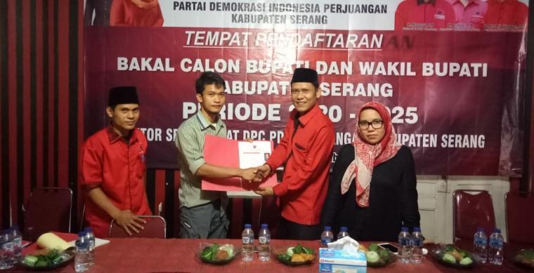 Pendaftaran Bakal Calon (Balon) Pemilihan Kepala Daerah (Pilkada) Kabupaten Serang. (Foto: TitikNOL)