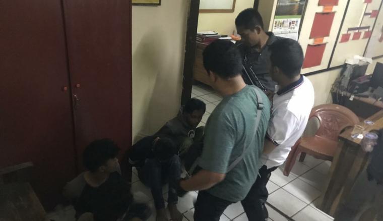 Tersangka pemerasan di Kawasan Pusat Pemerintahan Provinsi Banten di Jalan Syekh Nawawi Al Bantani, Kota Serang. (Foto: TitikNOL)